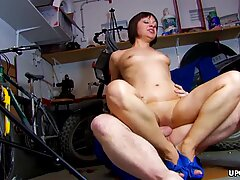 Big booty chick Alina Rose bounces on a fat prick
