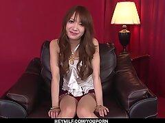 Naked Ayaka Fujikita fucked dan dibuat untuk menelan - lebih banyak di japanesemaamas.com
