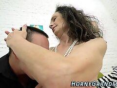 Granny gets pussy fucked